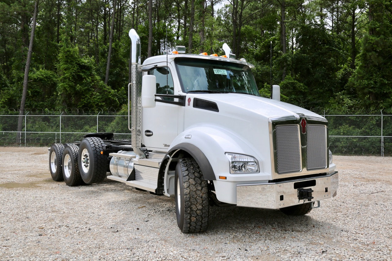 Equipment for the transportation and construction industries
