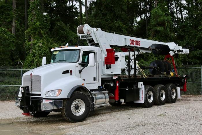 Elliott 30105 F-D rental boom truck with digger/auger: Unit 30-047
