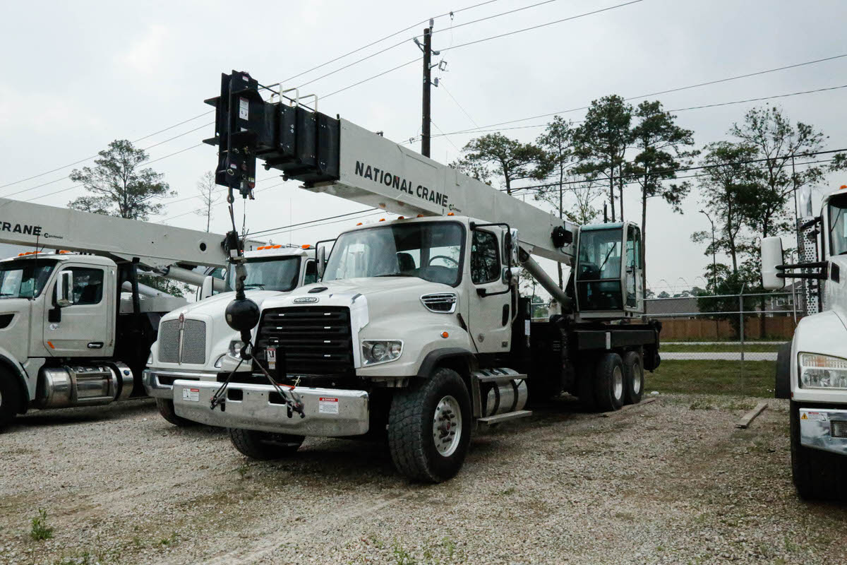 New National 14127H boom truck on Freightliner 114SD chassis #BM-3625
