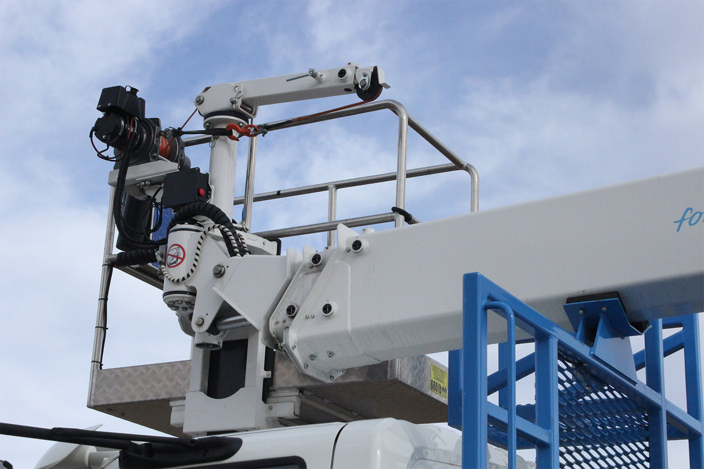 New Socage 72TW aerial lift for sale on International 4300SBA chassis Lift Control