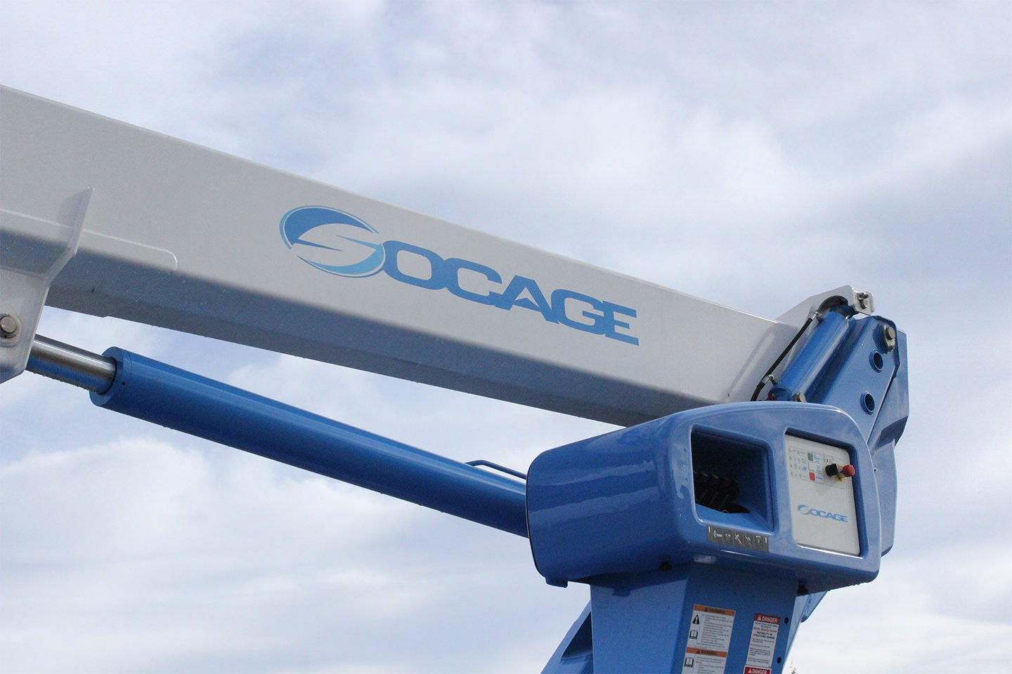 New Socage 72TW aerial lift for sale on International 4300SBA chassis Lift