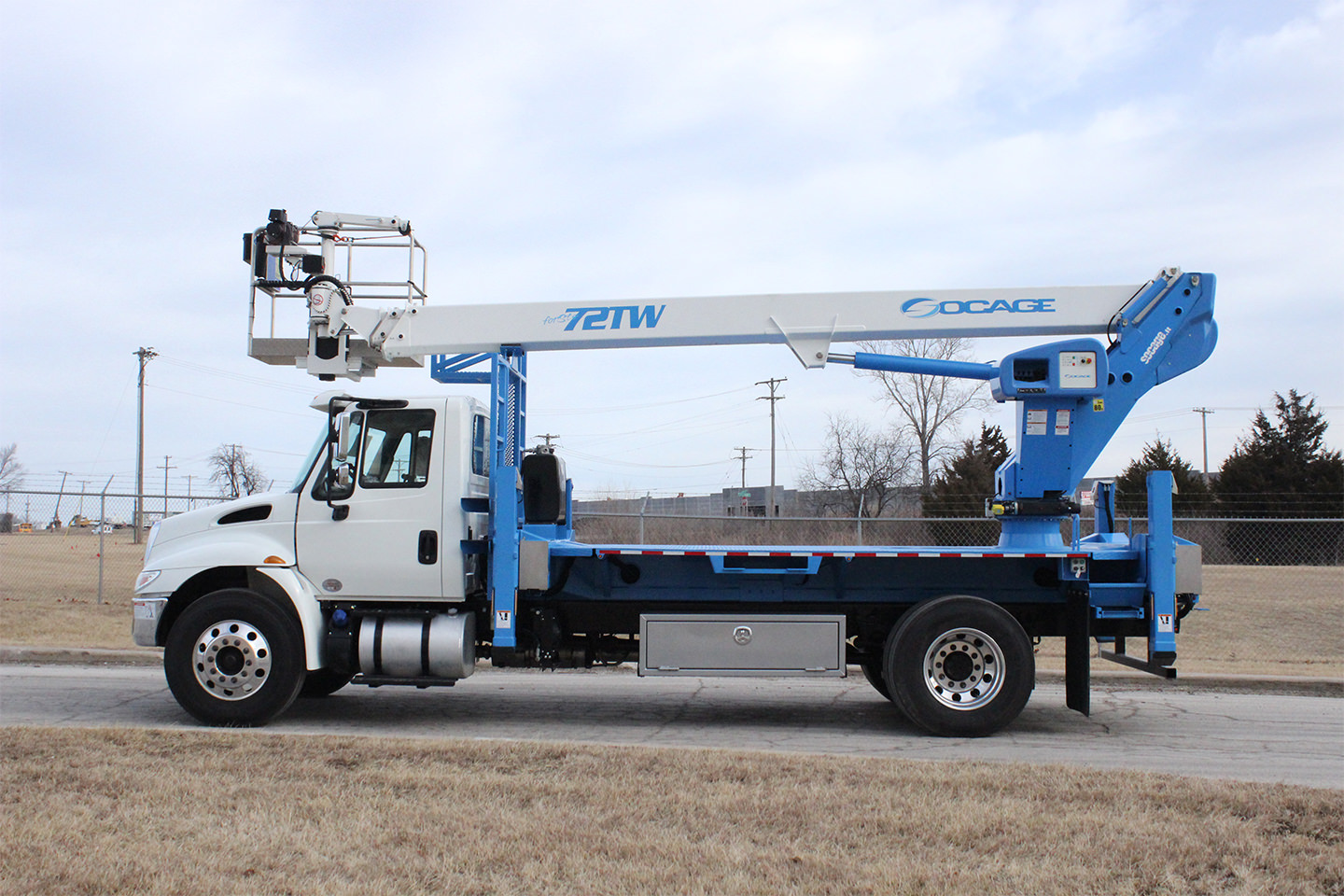 New Socage 72TW aerial lift for sale on International 4300SBA chassis Side
