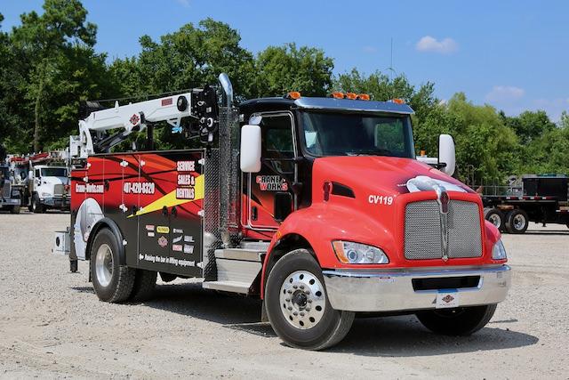 CraneWorks mobile crane repair service truck